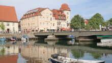 Hotellet har en fantastisk beliggenhed direkte på havnepromenaden i Warnemünde