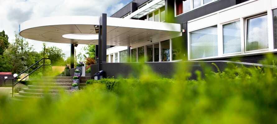 Detta 4-stjärniga hotell ligger i vacker natur i utkanten av den nederländska storstaden Rotterdam, nära centrum