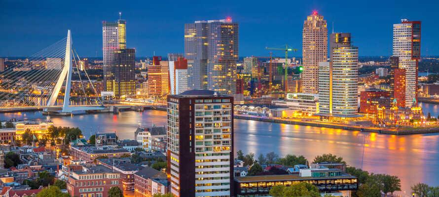Dra på sightseeing i Rotterdam og opplev byens mange muligheter og severdigheter.