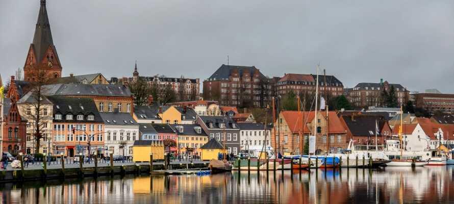 Flensburg by er en liten kjøretur unna, og er vel verdt et besøk.
