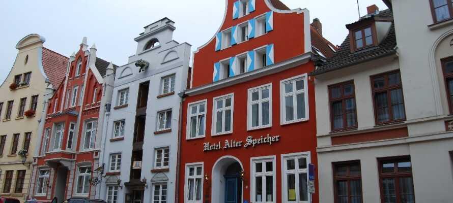 Alter Speicher Wismar ligger meget centralt placeret og der er ikke langt til havnen eller de mange seværdigheder