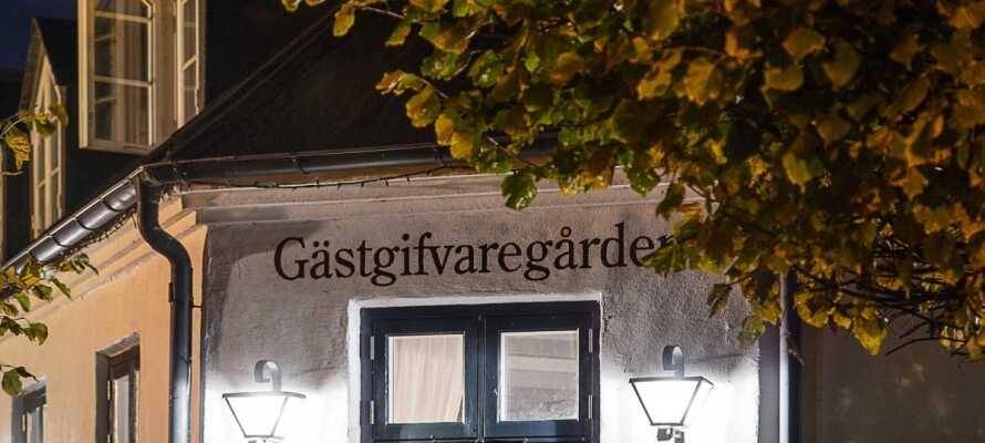 Skanörs Gästgifvaregård er en charmerende svensk kro beliggende i maleriske omgivelser i det sydvestligste Skåne
