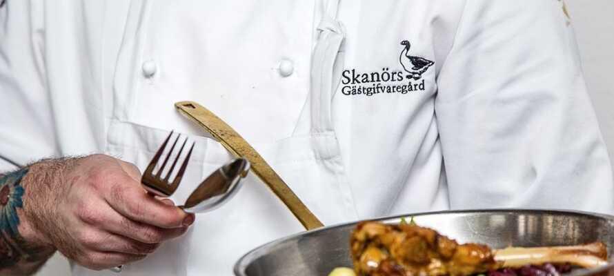 I restauranten er maden og vinen nøje sammensat med det formål, at alle sanserne skal i spil og forkæles