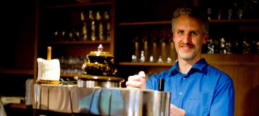 Jeres hotelvært, Dirk, taler dansk og er klar til at tage godt imod jer