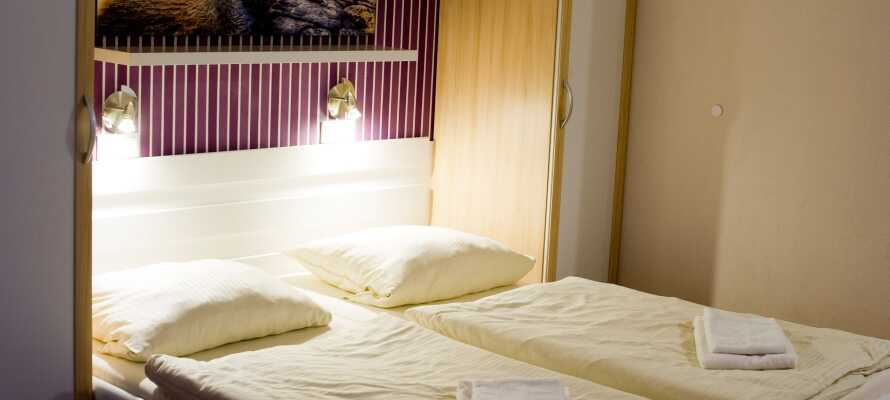 Hotellet har små och mysiga rum där ni kan koppla av efter en upplevelserik dag.