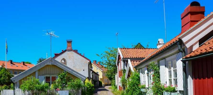 Verpassen Sie nicht die Stadt Kalmar mit ihrer schönen Altstadt, dem Kalmarer Schloss und dem Café Söderport.
