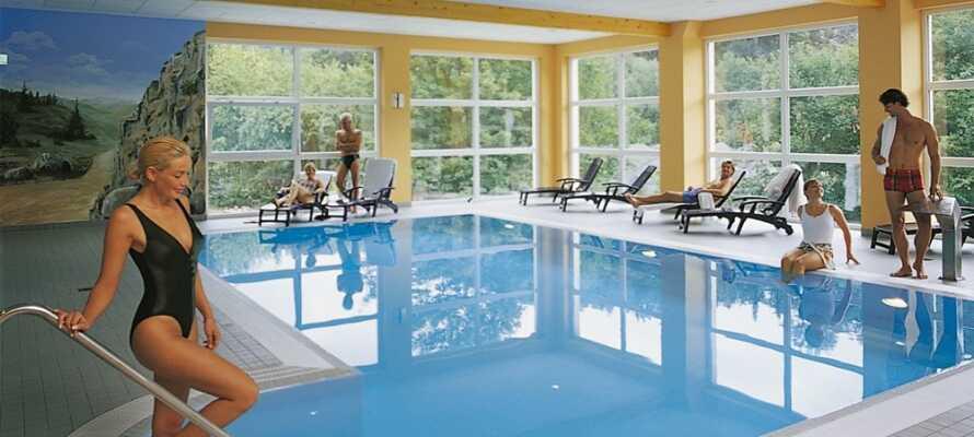 Hotellet har en elegant wellnessavdelning med panoramafönster som är perfekt för en avslappnande stund.