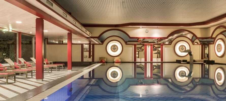 Hotellets wellnesstilbud omfatter bl.a. indendørs swimmingpool, finsk sauna, romersk dampbad og forskellige spabehandlinger