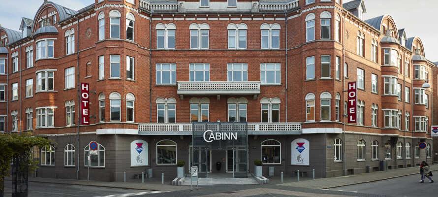 Das Cabinn Esbjerg hat eine zentrale Lage zwischen den Geschäften und Cafés der Stadt.