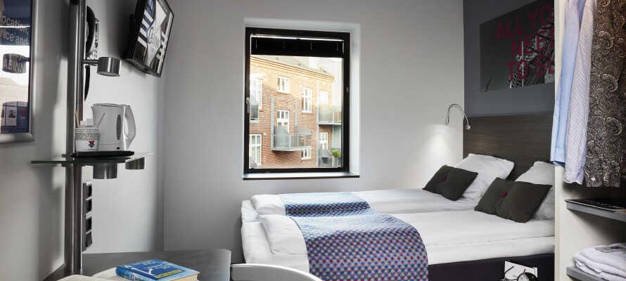 Die Zimmer bieten Komfort und Funktionalität, mit Gratis Kaffee und Tee.
