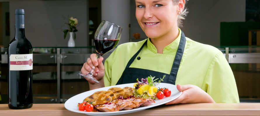 Nyd et ophold med udsøgt mad fra det fremragende køkken i Restaurant Orchidee.