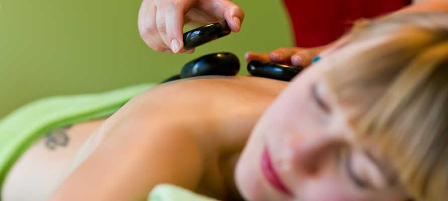 Slapp av i hotellets flotte wellnessoase, Aléa, som kan by på sauna, dampbad og massasje.