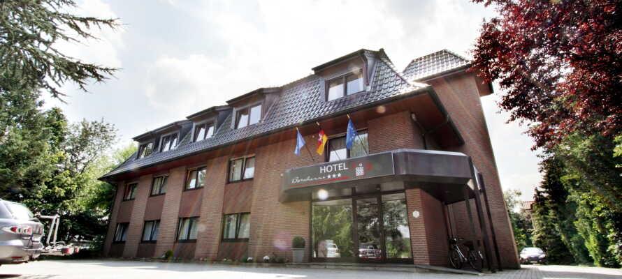 Tag med ressällskapet på en trevlig bilsemester till Tyskland och Akzent Hotel Borchers, nära gränsen till Holland.