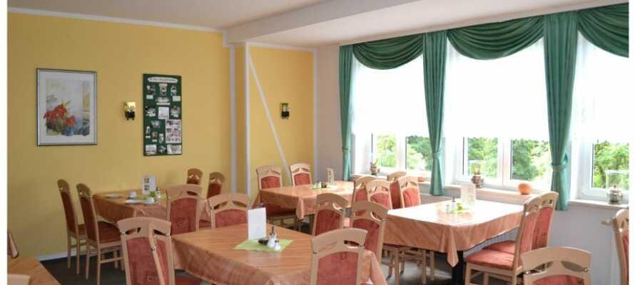 Das Restaurant ist sehr geräumig und die Speisekarte bietet etwas für jeden Geschmack.