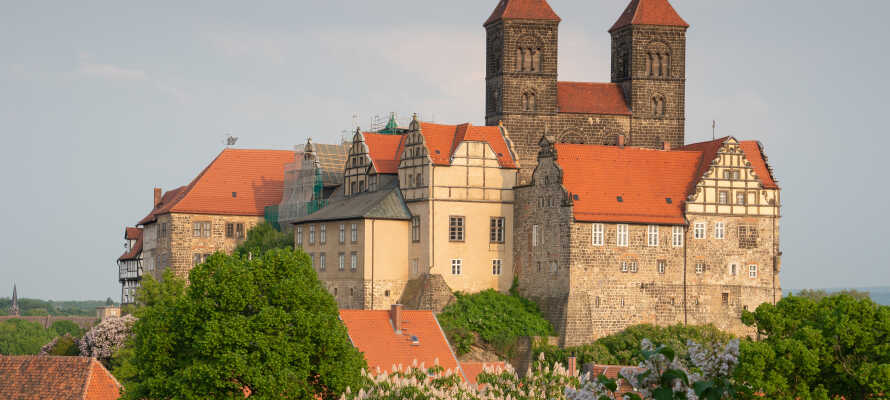 Quedlinburg ist eine wunderschöne Altstadt mit einer aufregenden Geschichte und einem beeindruckenden Schloss.