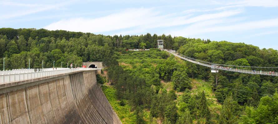 Rappbodetalsperre er Tysklands største opdæmmede sø. Længde 415 m. og højde 106 m. og så lige 860.000 kubikmeter beton.