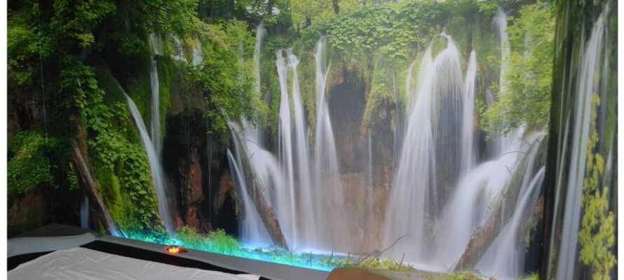 Få gratis massage hver dag på hotellets elektroniske massagebriks.
