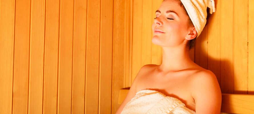 Njut av en avslappnande stund i hotellets bastu som kan nyttjas mot en mindre extra avgift.