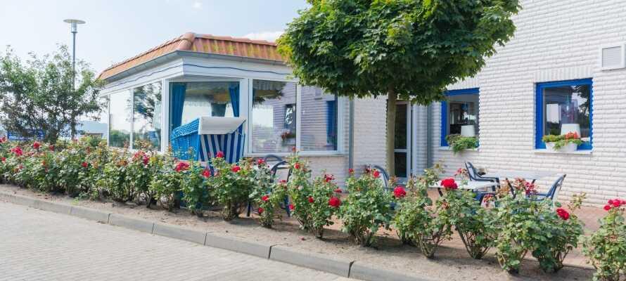Det familiedrevne hotellet tilbyr en ideell base for en rolig ferie med sol og strand.