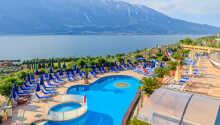 Nyd ferielivet ved hotellets to udendørs swimmingpools