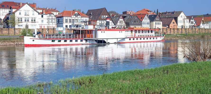 Den hyggelige byen Minden med et utvalg av butikker og restauranter ligger bare 12 km. fra hotellet