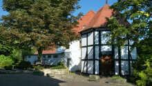 Hotellet har en lang tradisjon hvor familien Dammermann i ønsker gjester velkommen i over 245 år