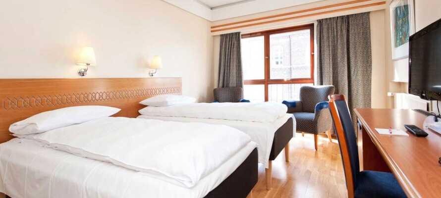 Alle værelserne er lyst og enkelt indrettet og udgør en god base for jeres ophold i Haugesund