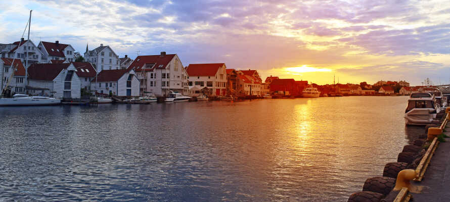 Haugesund har en flott havnefront, som egner seg godt til en spasertur.
