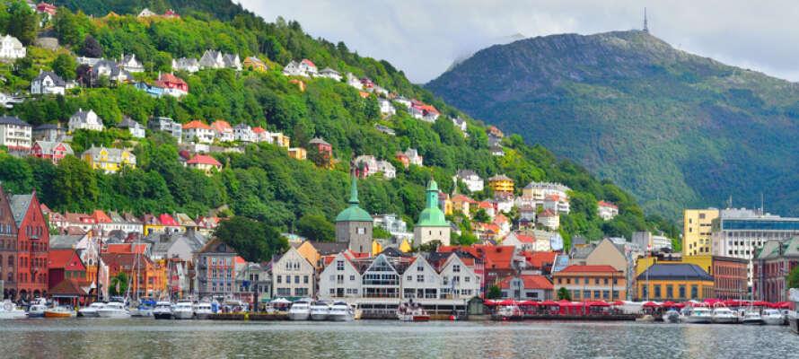 Bergen er Norges nest største by og gjemmer på en masse spennende historie, vakre bygninger og gode opplevelser.