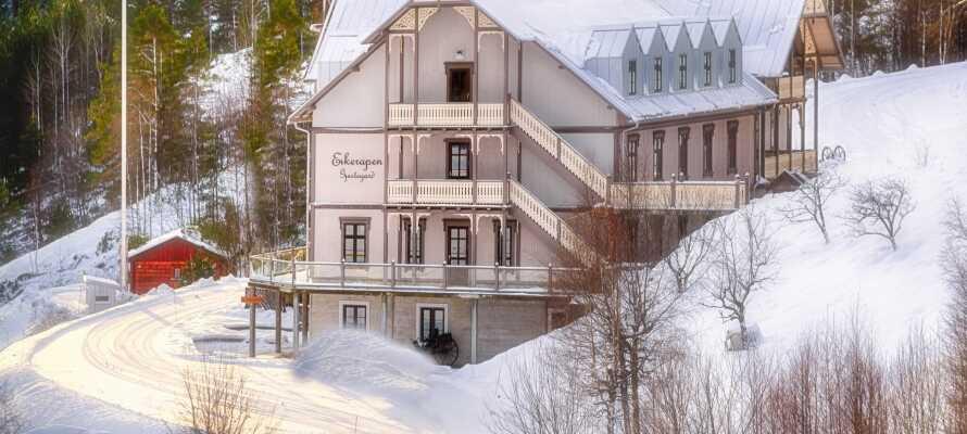 Im Winter gibt es Möglichkeiten, um sich nicht weit vom Hotel entfernt auf die Ski zu stellen.
