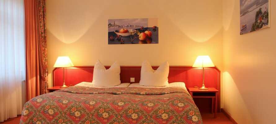 Moderne og romslige dobbeltrom på Hotel Kreuzers dobbeltrom.