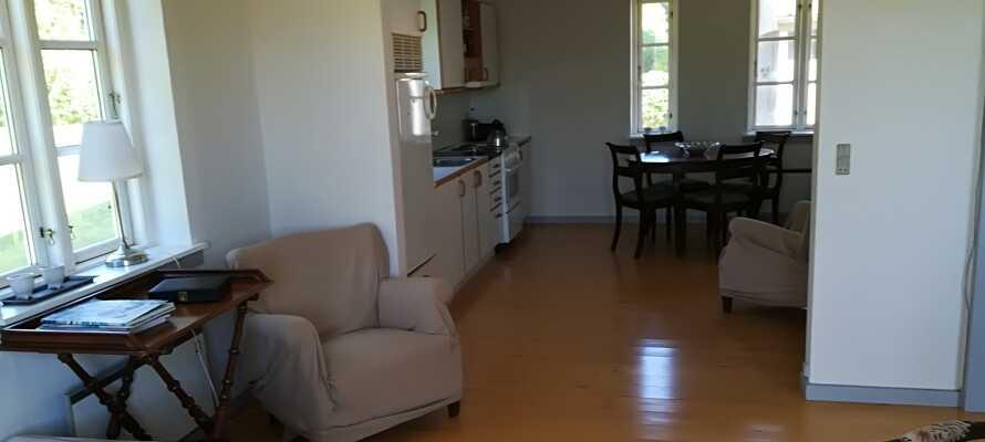 Alle leilighetene tilbyr god plass og er innredet med eget kjøkken, stue, bad og soverom