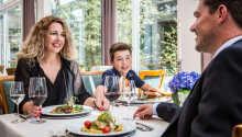 Restauranten indbyder til hygge og spændende smagsoplevelser.