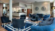 Hotellets sällskapsrum är trevligt inrett och bjuder in till avslappning.