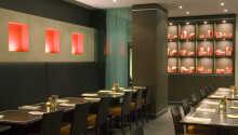 Nyd en stille aften i hotellets restaurant.