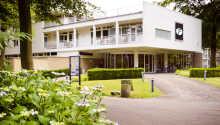 Det moderne Hotel Amersfoort ligger i et dejligt område, tæt på middelalderbyen Amersfoort.