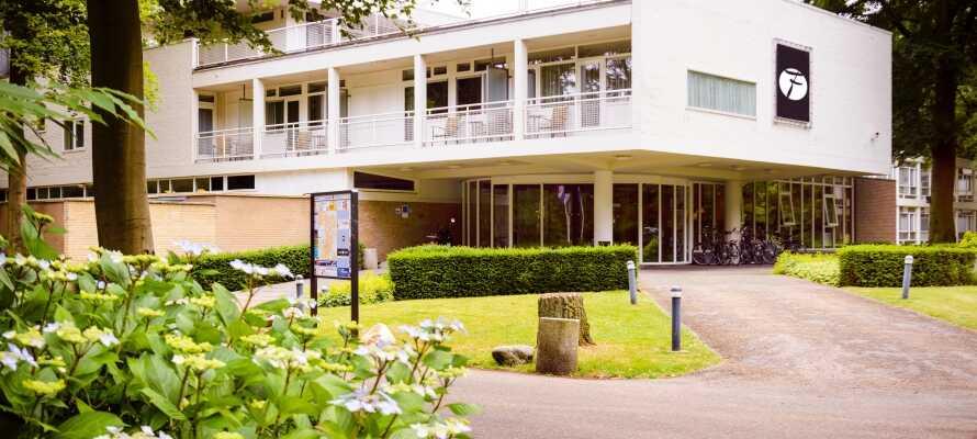 Pent, moderne 4-stjernershotell i grønne, frodige omgivelser nær den historiske storbyen Amersfoort