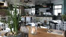 Hotellets charmerende restaurant Laguna serverer blandt andet skønne pastaretter.