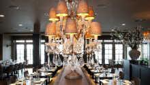 Restaurant J fokuserer på mad fremstillet af lokale råvarer, og så er der tilmed en fantastisk udsigt over Gooimeer-søen.