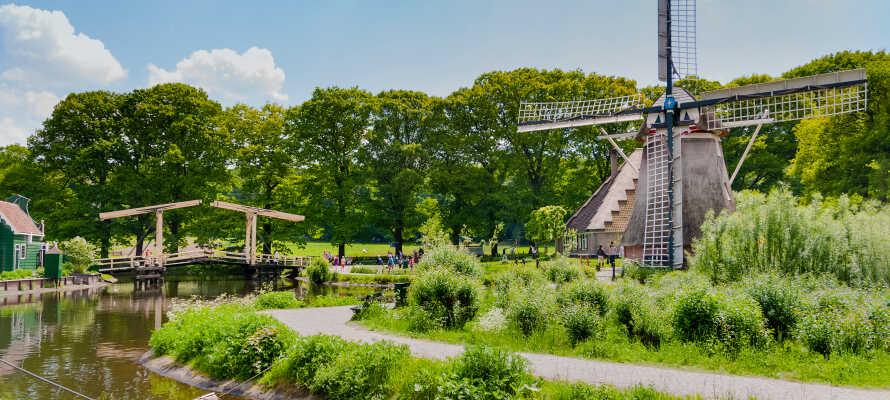 Besök det spännande friluftsmuseet i Arnhem, där ni kan beskåda traditionella holländska byggnader.
