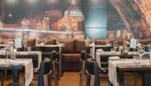 Restaurang Avegoor serverar såväl internationella som medelhavsinspirerande rätter.