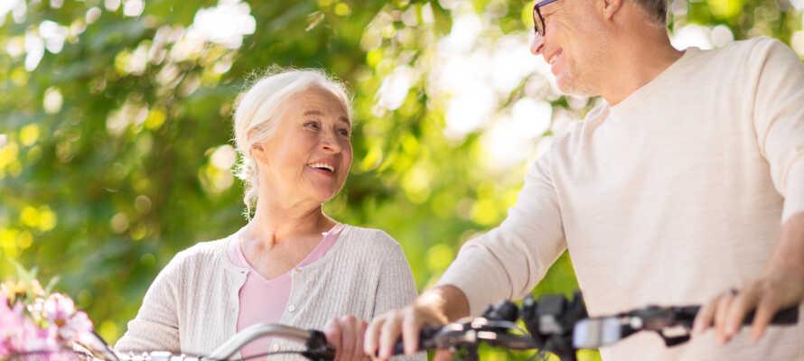 I kan leje både elektriske og standard cykler på hotellet og tage på opdagelse i området