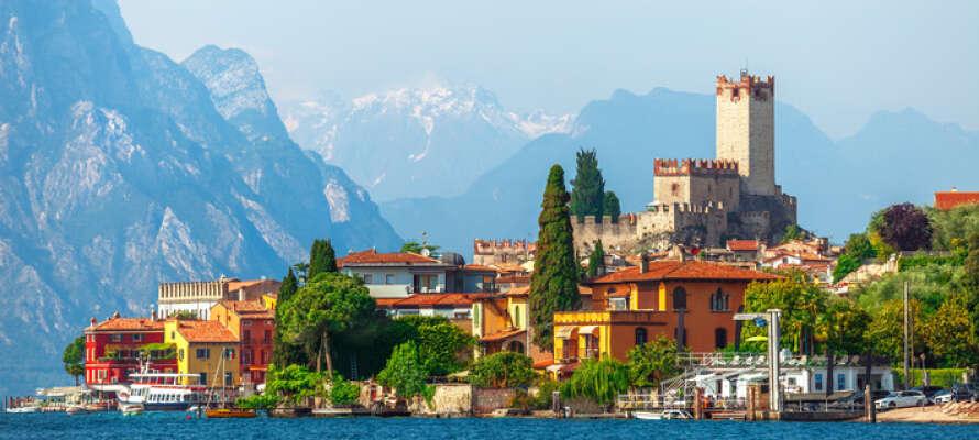 Malcesine er en liten middelalderby ved foten av mektige Monte Baldo.