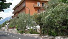 Hotel Nike ligger på kysten ved Verona på østsiden av Gardasjøen