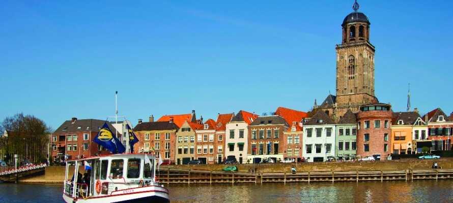 Dette hotellet ligger godt til rette både i forhold til utflukter rundt omkring i Nederland og nær Deventers historiske sentrum.