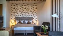 I bor på charmerende værelser, som alle giver jer komfortable rammer under opholdet.