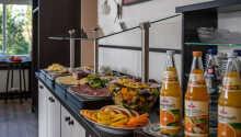 Stå op og nyd en skøn omgang morgenmad, inden I begiver jer ud på eventyr.