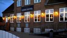 Gjern Hotel har en dejlig placering i hjertet af Gjern.