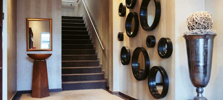 Det familiedrevne hotel har en flot indretning, som kombinerer tradition og modernitet i et smagfuldt design.