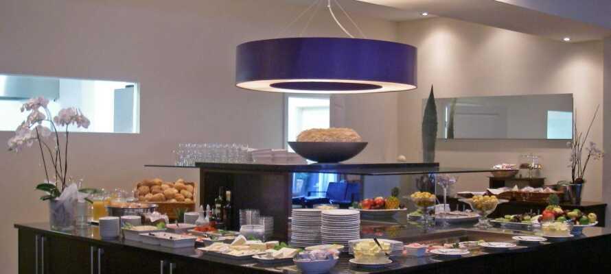 Das beliebte Frühstücksbuffet des Hotels bietet viele frische, regionale Köstlichkeiten und sorgt für einen guten Start in den Tag.